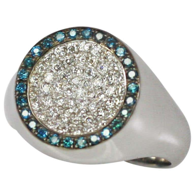 18 Karat White Gold White and Blue Diamond Round Band Ring