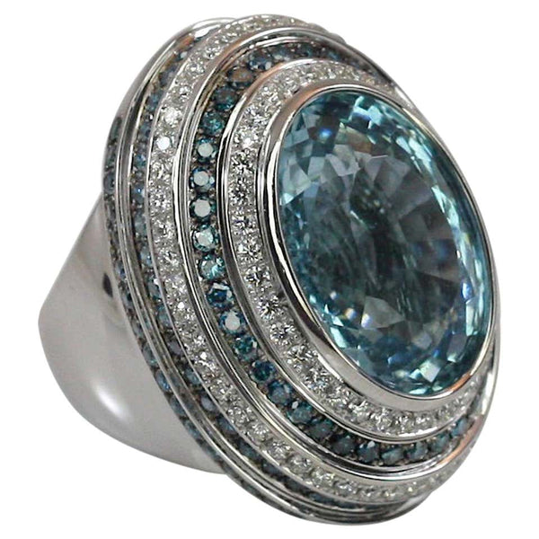18 Karat White Gold Aquamarine Blue and White Diamond Ring