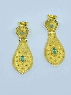 18 Karat Yellow Gold Emerald Dangle Drop Long Earrings