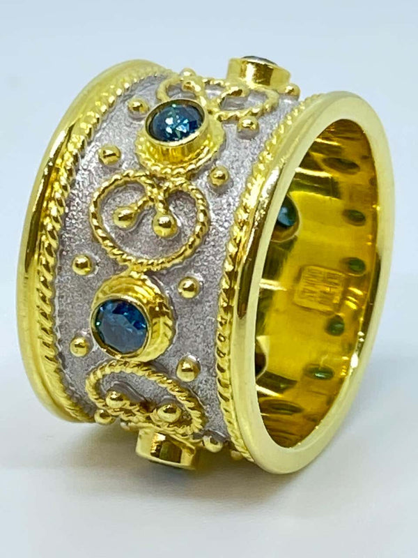 18 Karat Yellow Gold Blue Diamond Two-Tone Band Ring