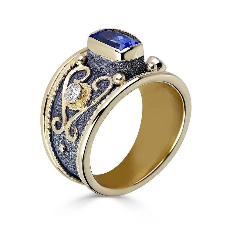 18 Karat Yellow Gold Tanzanite Diamond Black Rhodium Ring