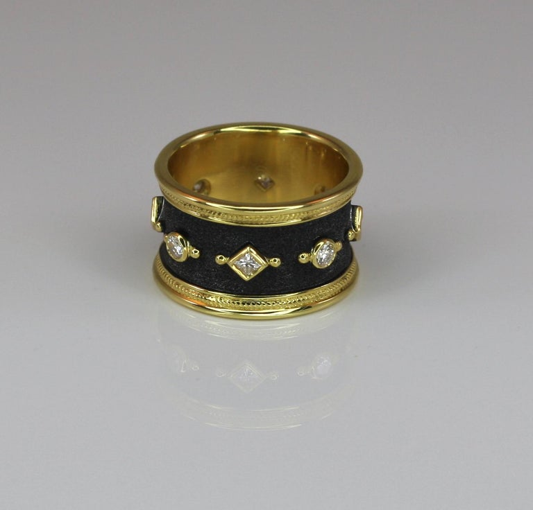 Eternity Band Ring in 18 Karat Gold and Black Rhodium