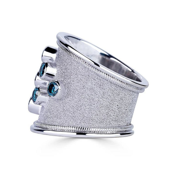 18 Karat White Gold Diamond Ring with Blue White Diamonds