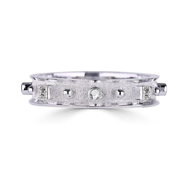 18 Karat White Gold Thin Princess Cut Diamond Band Ring