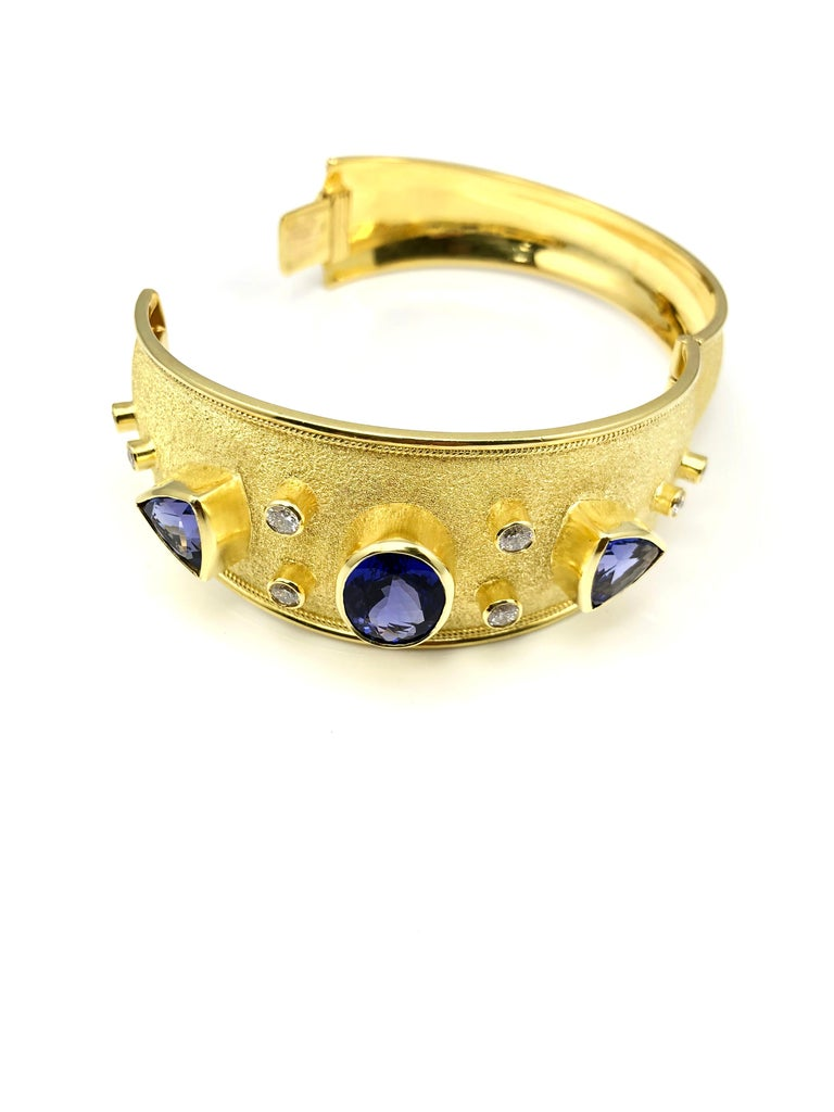 18 Karat Yellow Gold Diamond and Tanzanite Unique Bracelet