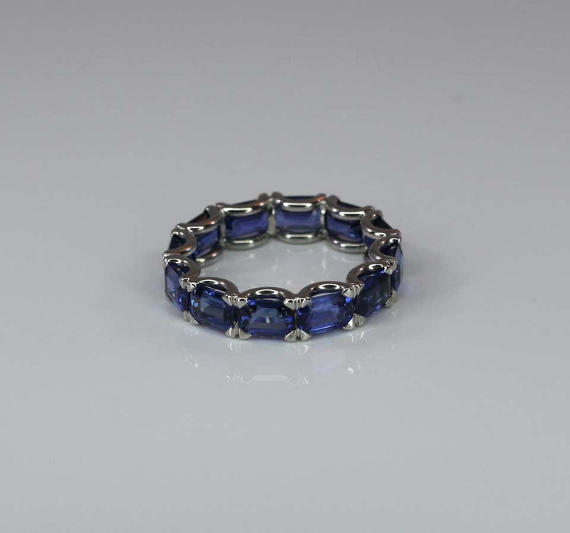 18 Karat White Gold Sapphire Tennis Band Ring