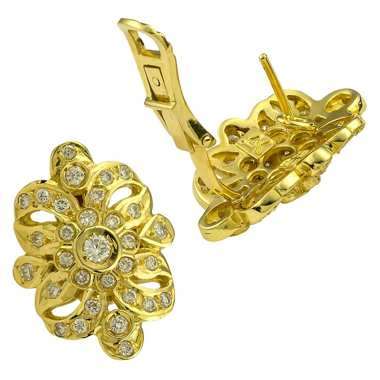 18 Karat Yellow Gold Diamond Byzantine Style Stud Earrings