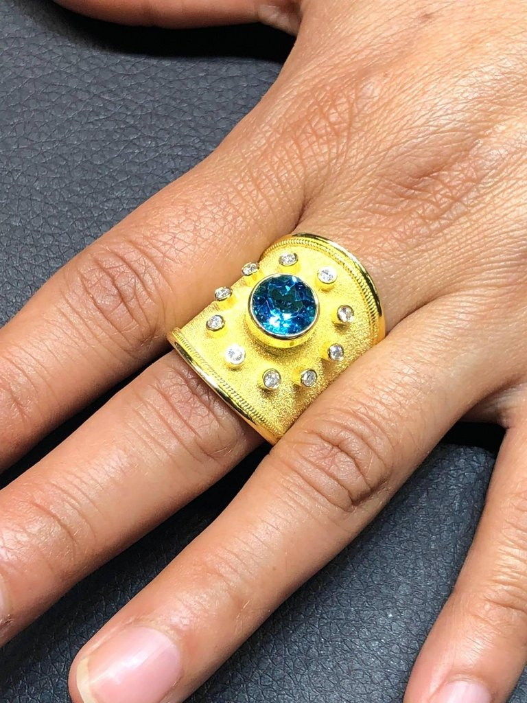 18 Karat Yellow Gold Diamond and Sky Blue Topaz Thick Ring