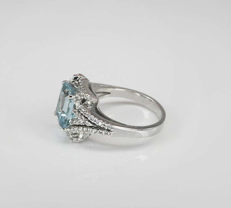18 Karat White Gold Emerald Cut Aquamarine and Diamond Ring