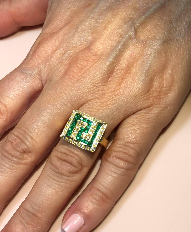 18 Karat Yellow Gold Diamond Emerald Greek Key Design Ring