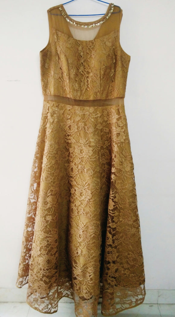 Lace Gown with Sheer Waist (sz L/XL)