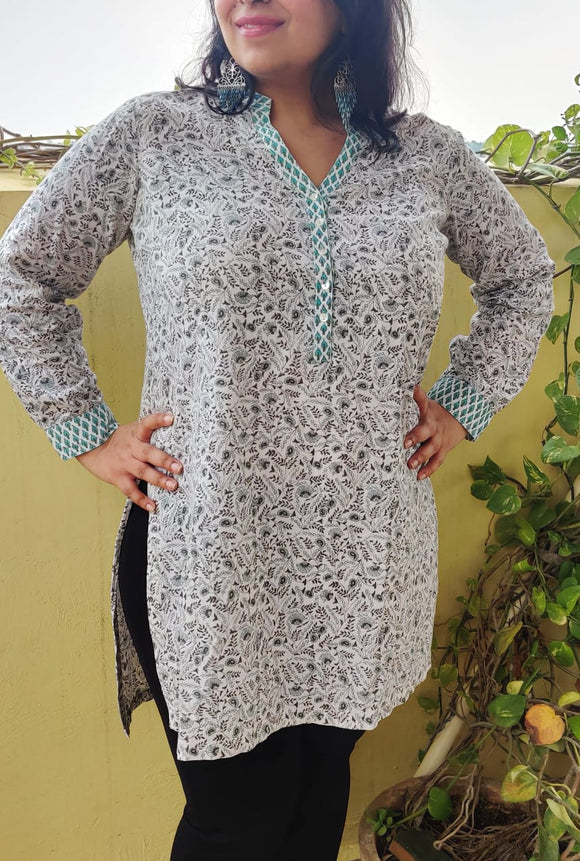 BIBA - Printed Cotton Kurta with Chinese Collar (sz L)