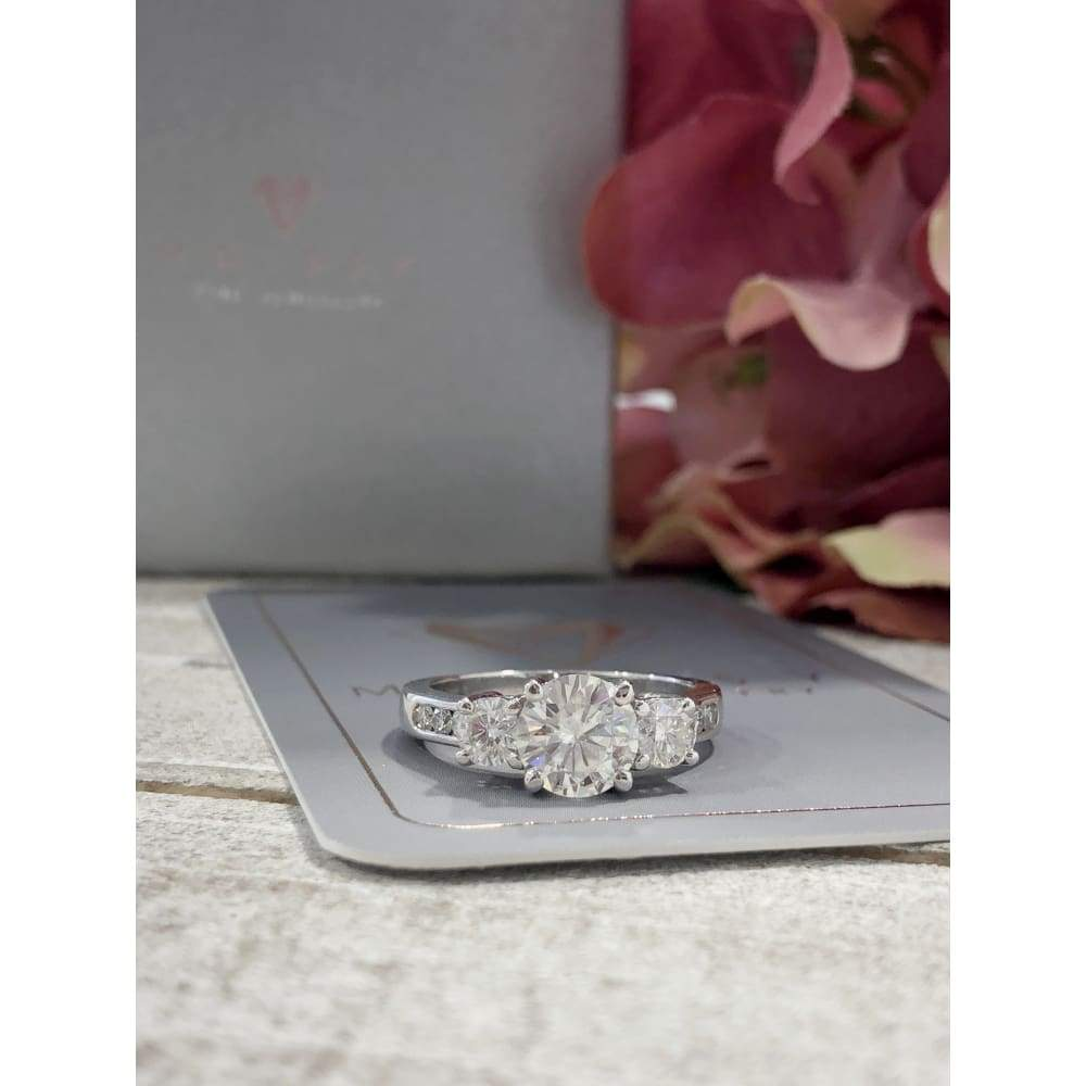 Ariana ~ 14Kw 7Mm Round Moissanite Diamond Band - Ring