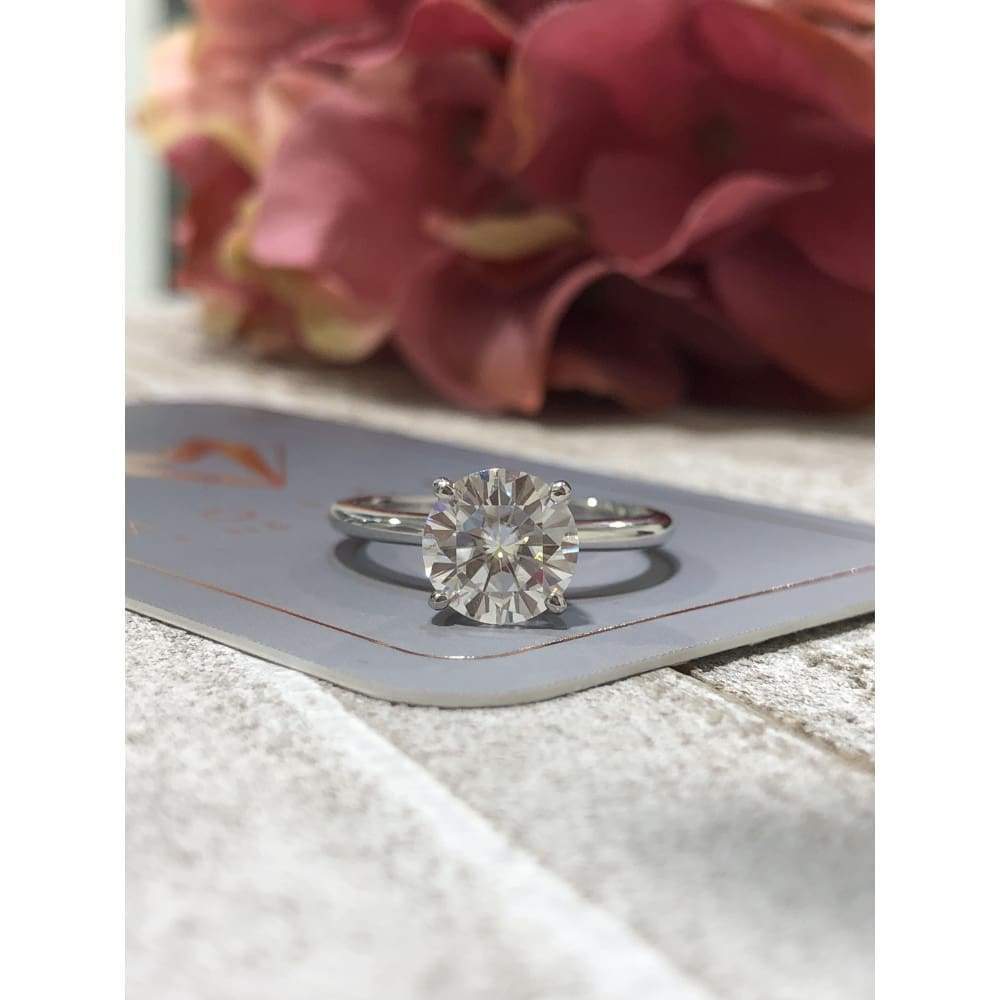 Laura ~ 14Kw 8Mm Round Moissanite Solitaire - Ring