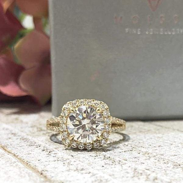 Taylor ~ 14Ky ~ 9Mm Round Moissanite Diamond Halo And Band - Ring