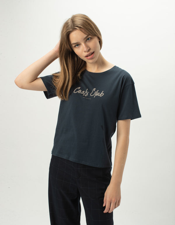 Club Script Sunday Tee Midnight