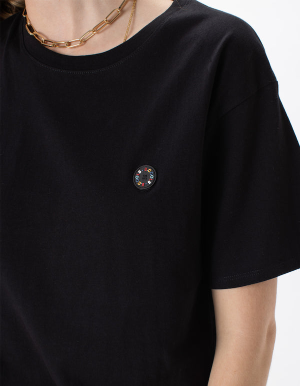 Badge Sunday Tee Black