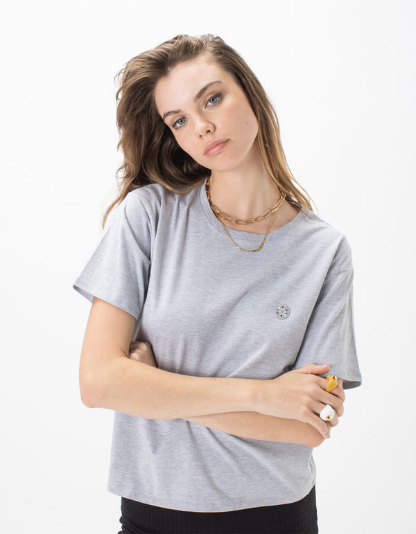 Badge Sunday Tee Grey Melange