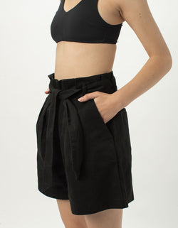 High Rise Pleat Short Black
