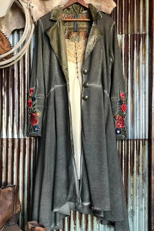 Floral Appliqued Long Sleeves Lapel Buttoned Coat