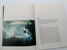 Load image into Gallery viewer, Vintage Book E.T. The Extra Terrestrial Storybook 1982