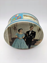 Load image into Gallery viewer, Queen Elizabeth II 1953 Coronation Tin Huntley and Palmers Biscuits