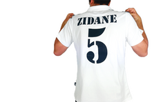 Load image into Gallery viewer, Real Madrid 2001 Kit