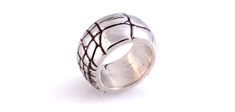 Alligator Pattern wide band ring