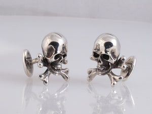 Sterling Skull And Cross Bones cufflink