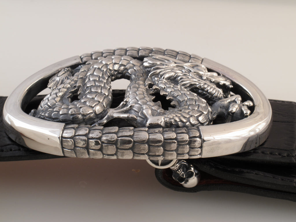 Dragon in Oval Frame trophy buckle side view