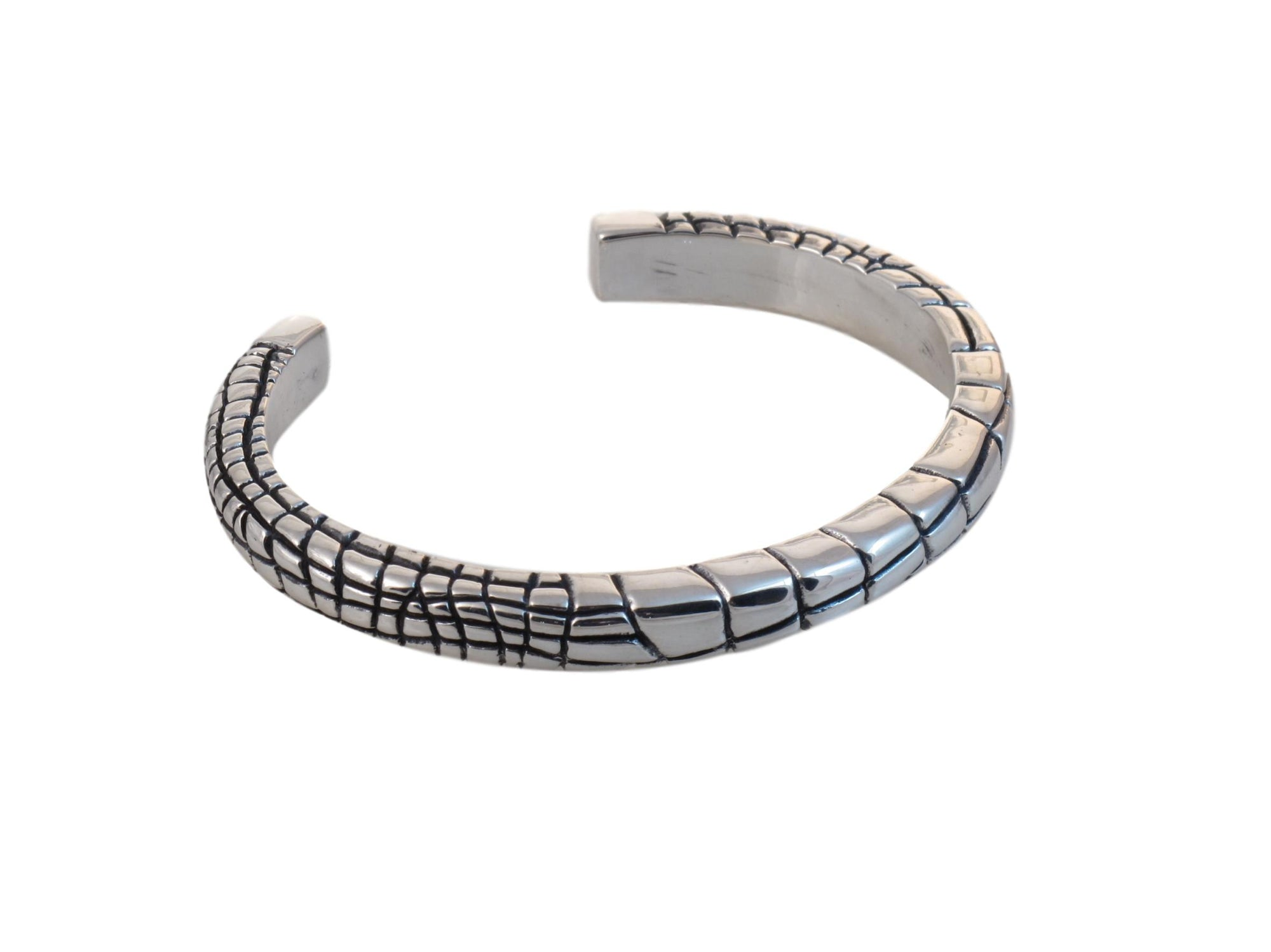#DB-10 Alligator Skin Pattern Cuff, Sterling