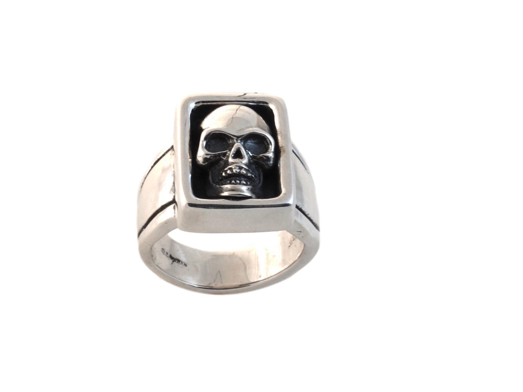 """#DR - 17 Large Boxed Skull Ring sterling, top view."""