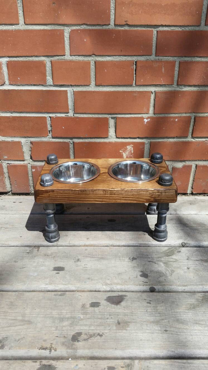 Pet Feeder - Pipe And Wood Designs
