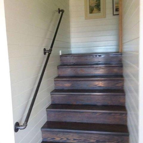 Pipe stair railing - Pipe And Wood Designs