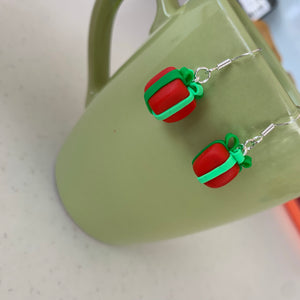 Present earrings