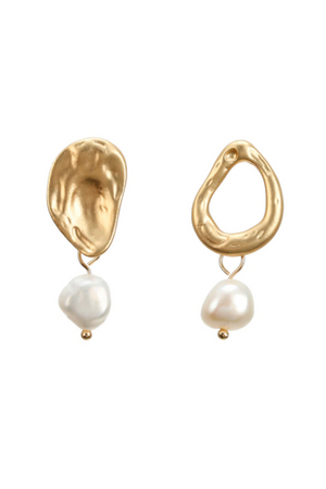 GOLD PEARL SIMPLE EARRINGS