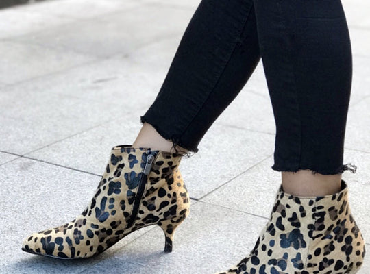 FLAWLESS SPOTS ANKLE BOOTS