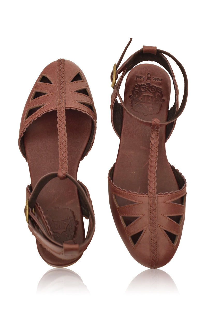 Bounty T-strap Leather Sandals