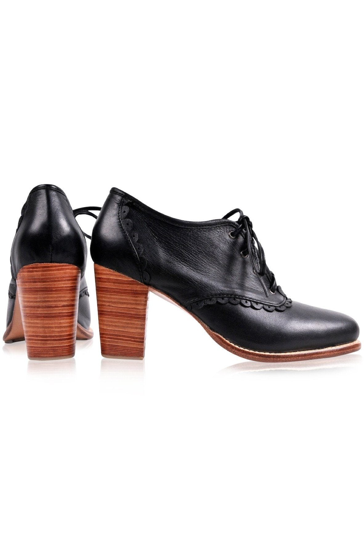6515faff43b8 Home Leather Shoes Vintage-style oxford in black color