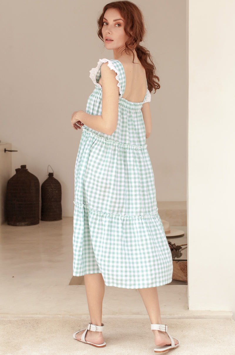 Meringue Tiered Sleeveless Dress