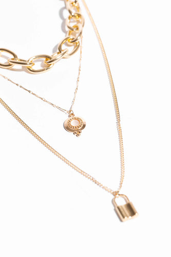 Cherie Chain + Lock Pendant Necklace - Gold