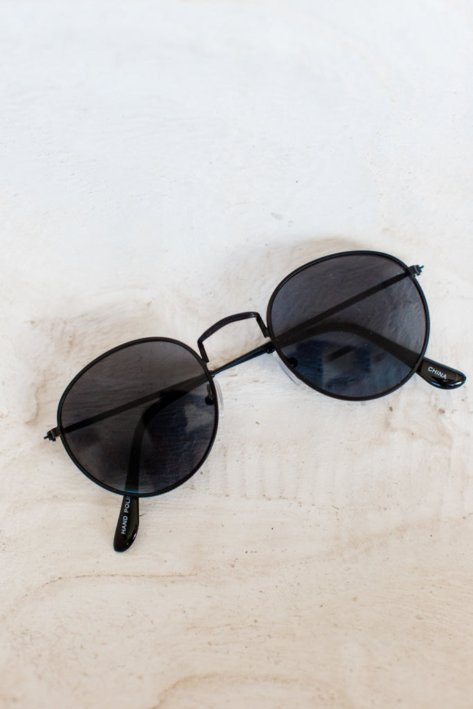 Small Roundie All Black Metal Sunglasses