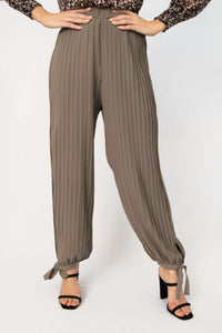 Happy Place Pleated Woven Pants - Sage Grey