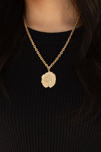 Wendi Coat of Arms Stamped Coin Pendant Necklace - Gold