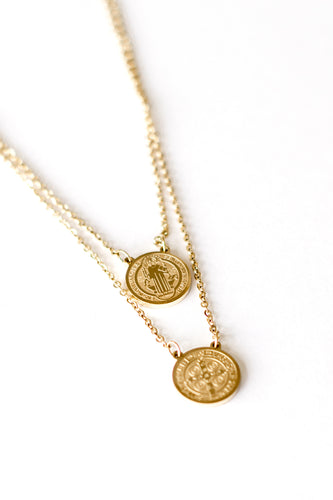 Nona's Chain Link Double Coin Pendant Necklace - Gold