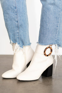 Elsa Bootie with Tortoise Ring Detail - Off White
