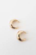 Eclipse Vintage Trifari Hoop Earrings - Gold