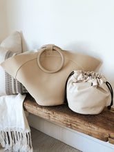 Room With A View Ring Handle Tote Bag - Nude