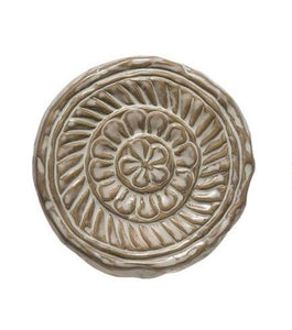 Indy Round Embossed Stoneware Trivet w/ Reactive Glaze - White