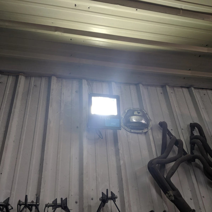 100 Watt IP66 Rated LED Outdoor Flood Light lighting